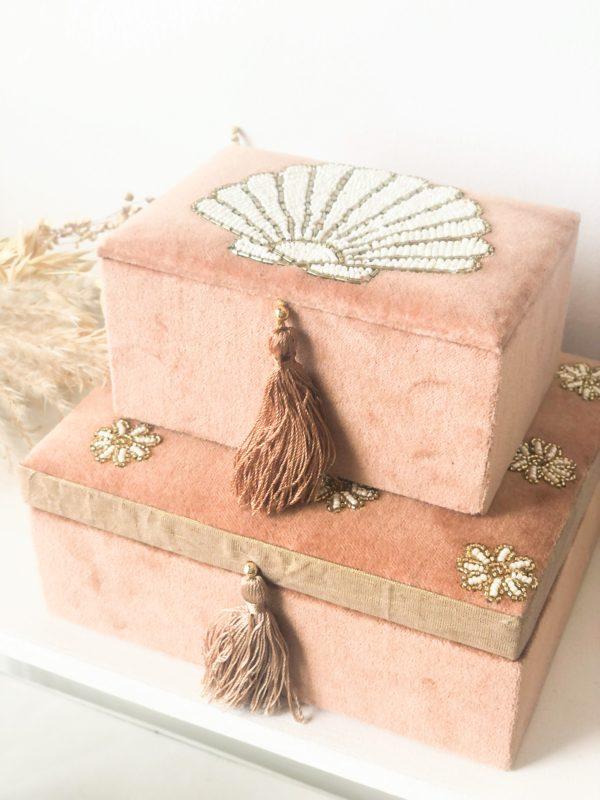 Boîte à bijoux en velours
